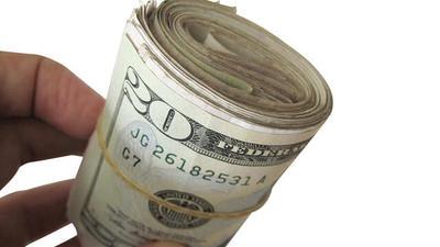 Как передавать деньги при покупке недвижимости